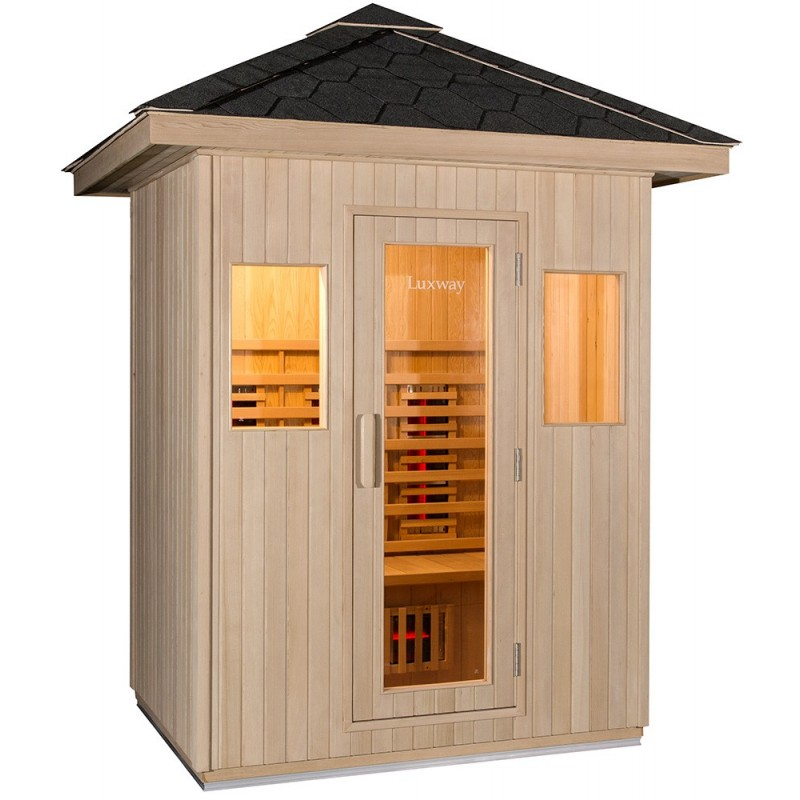 Outdoor sauna for 3 people in sturdy Canadian Hemlock, Isolated with pearlwool.